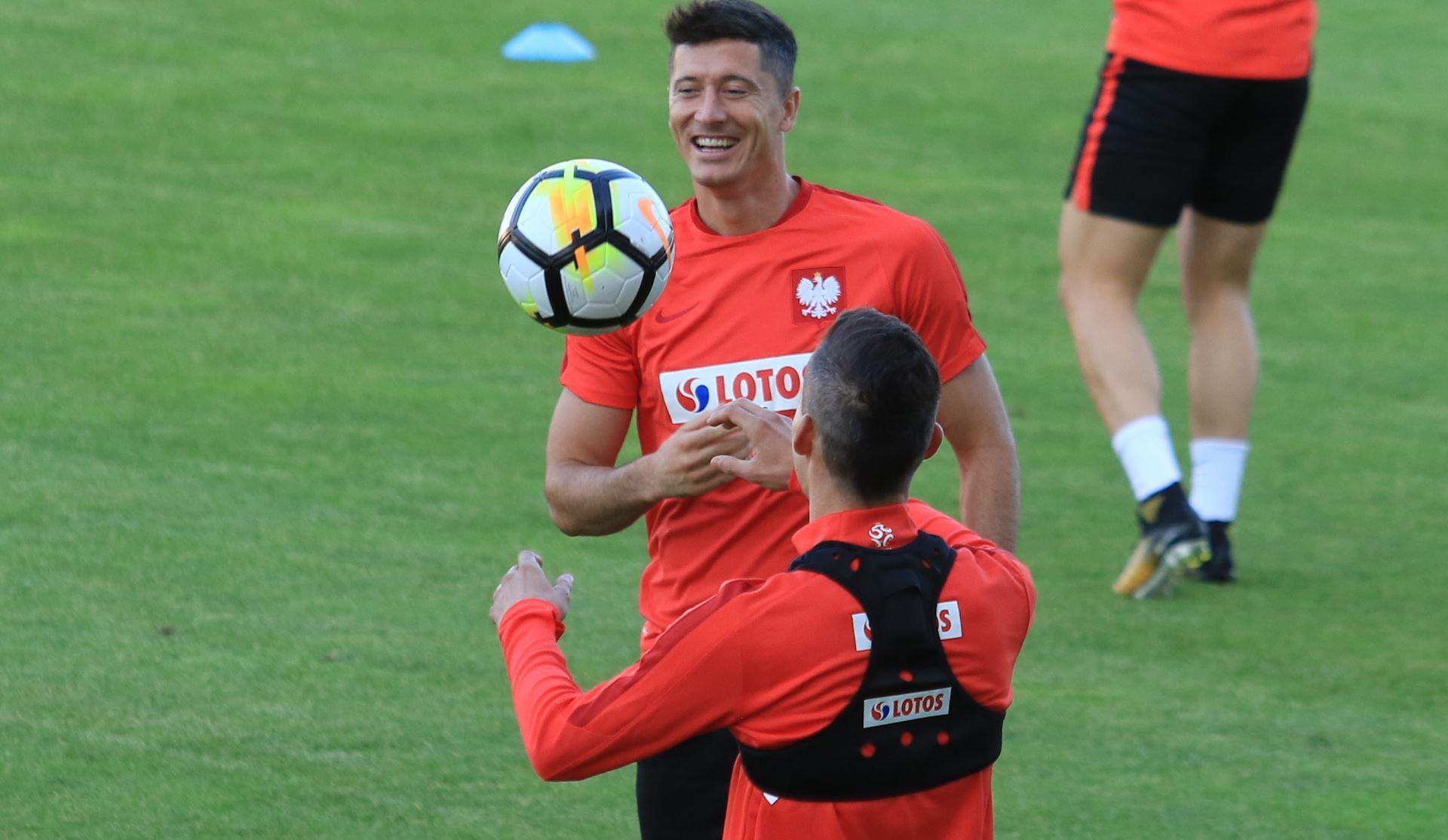 Robert Lewandowski   Futbolfejs pl